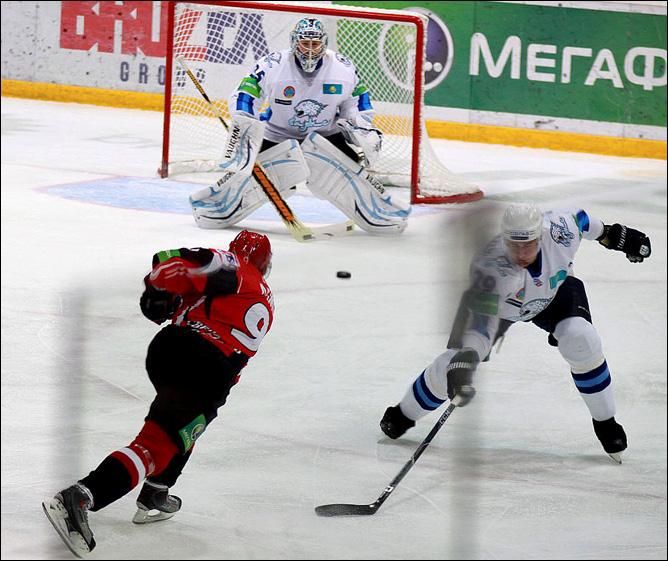 29.10.2010. КХЛ. Автомобилист - Барыс - 3:2. Фото 04.
