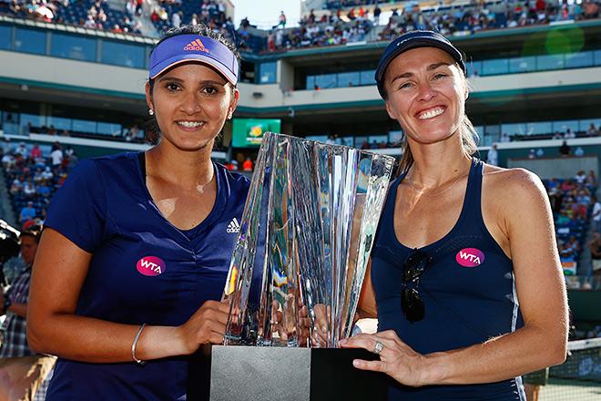 Хингис и Мирза победили на первом совместном турнире