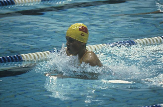 XXII Олимпийские игры. Плавательный бассейн «Олимпийский». Советская спортсменка Светлана Варганова завоевала серебряную медаль в плавании на 200 метр