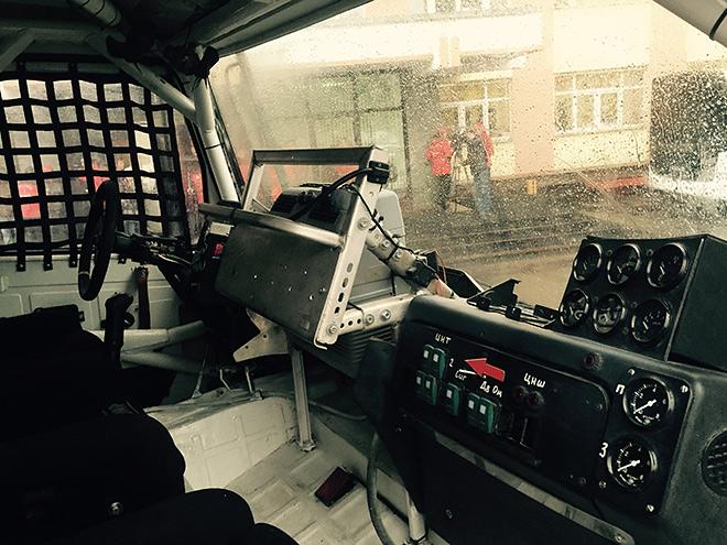 Внутри боевого мазовского грузовика
