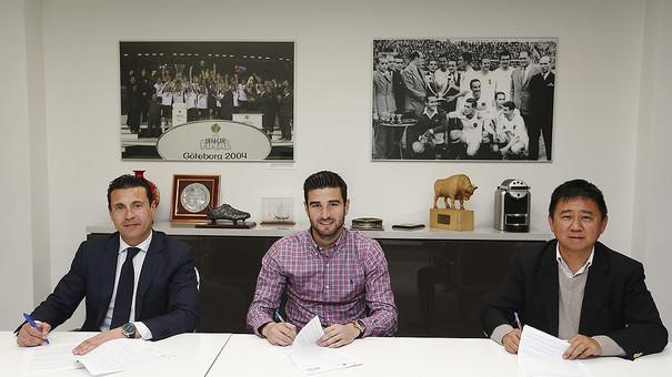 Валенсия продлила контракт с Барраганом - изображение 1