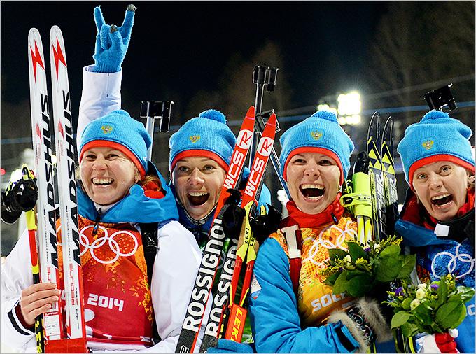 http://img.championat.com/i/news/02/98/1393000298_b_zhenskaja-sbornaja-rossii-po-biatlonu-serebrjanyj-prizjor-olimpiady-luchshie-foto.jpg
