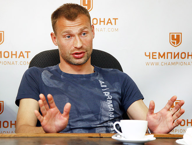В. Березуцкий: не хотел бы сыграть в матче-открытии ни с «Барсой», ни с «Челси»