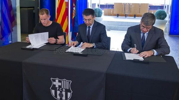 Тер Штеген подписал контракт с «Барселоной»