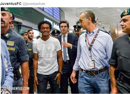 Хуан Куадрадо прилетел в Турин для прохождения медосмотра