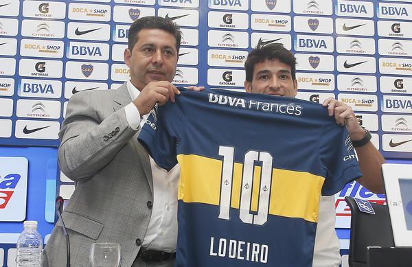 Постер к новости Лодейро будет играть в «Бока Хуниорс» под номером Марадоны и Рикельме