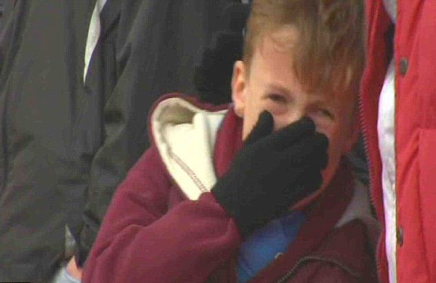 """""""Вест Хэм"""" ищет ребенка, который плакал на матче с """"Ноттингем Форест"""". Фото - изображение 1"""