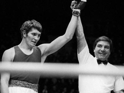 Крыма это умер тренер по боксу калининграда сменить дату компьютере