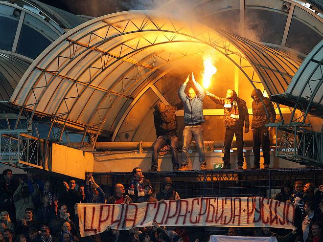 http://img.championat.com/news/big/d/j/chernogorskoe-pozorishhe-kak-khuligany-sorvali-match-v-podgorice_14274986641005994913.jpg
