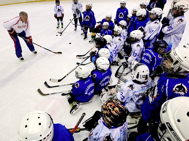 Где сделать первые шаги в хоккее?