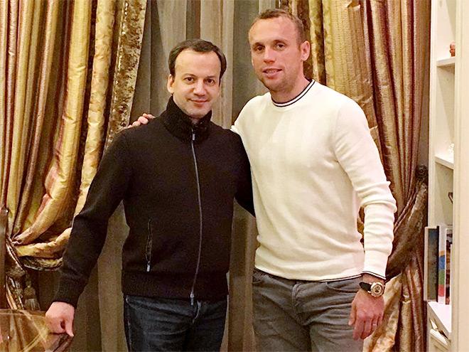 Футболисты в Инстаграме: дружьа Глушакова и Дворковича, ностальгия Черышева