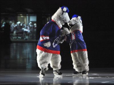 """В 1964 году в Новосибирске произошло значимое событие, был построен ледовый дворец спорта  """"Сибирь """"."""