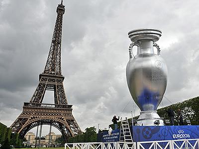 Стадионы под Евро-2016 строятся в режиме экономии