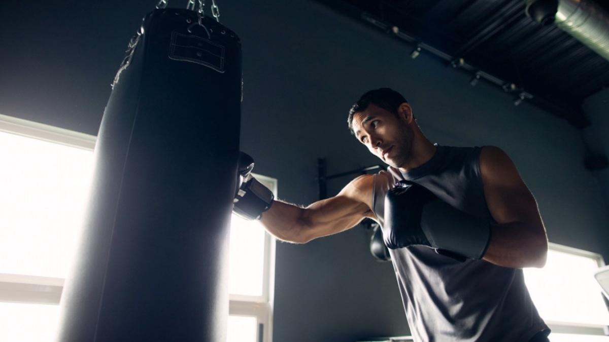 Тренировка бокса в домашних условиях - упражнения для новичков