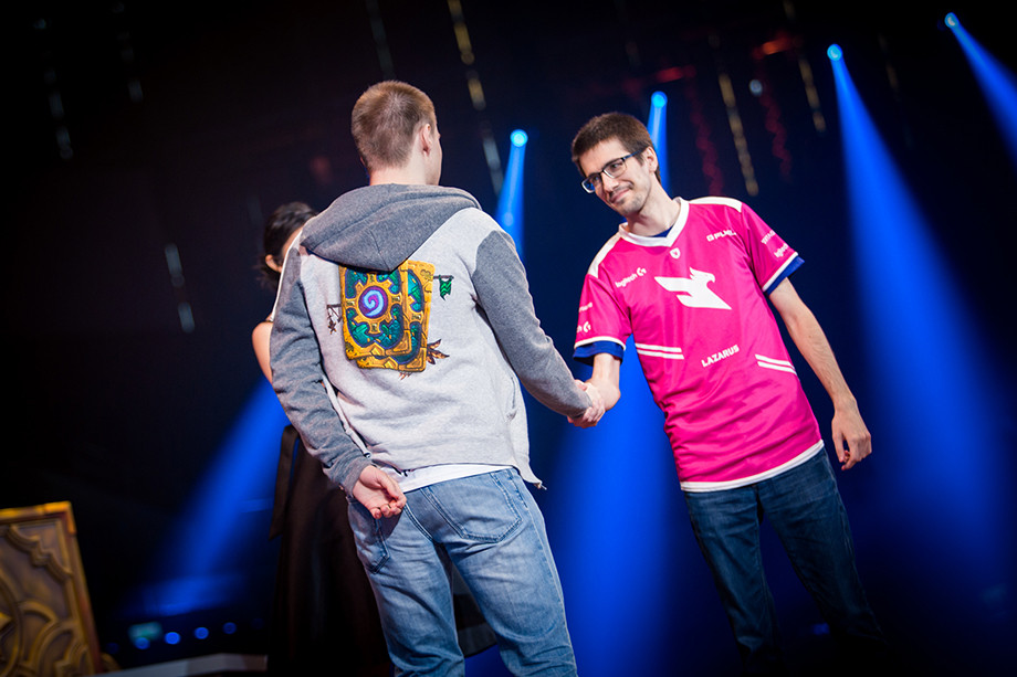 Михай languagehacker Драгалин (справа)