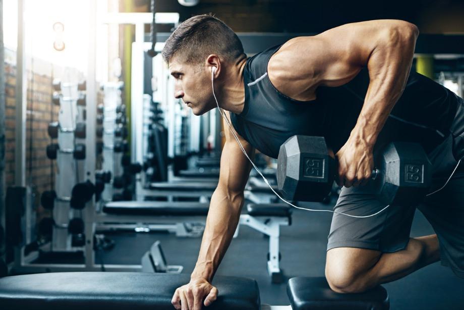 Что лучше: кардиотренировка или силовая? Какой вид тренировок полезнее?