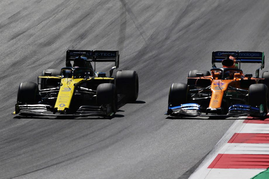 Борьба Риккардо и Сайнса на Гран-при Австрии.