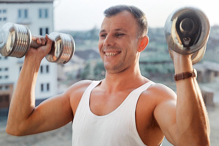 Юрий Гагарин в молодости подумывал начать баскетбольную карьеру
