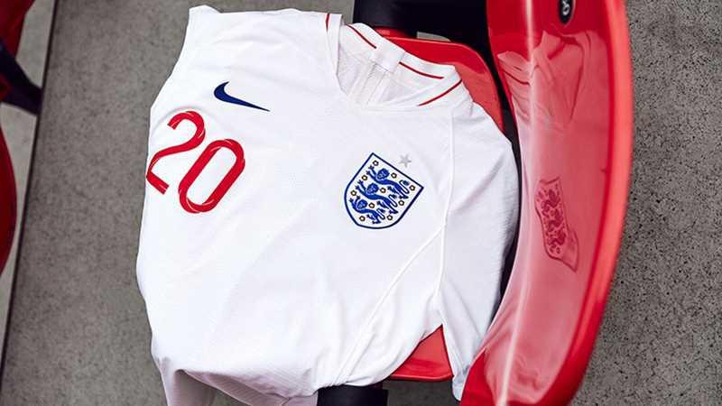 Новая домашняя форма сборной Англии