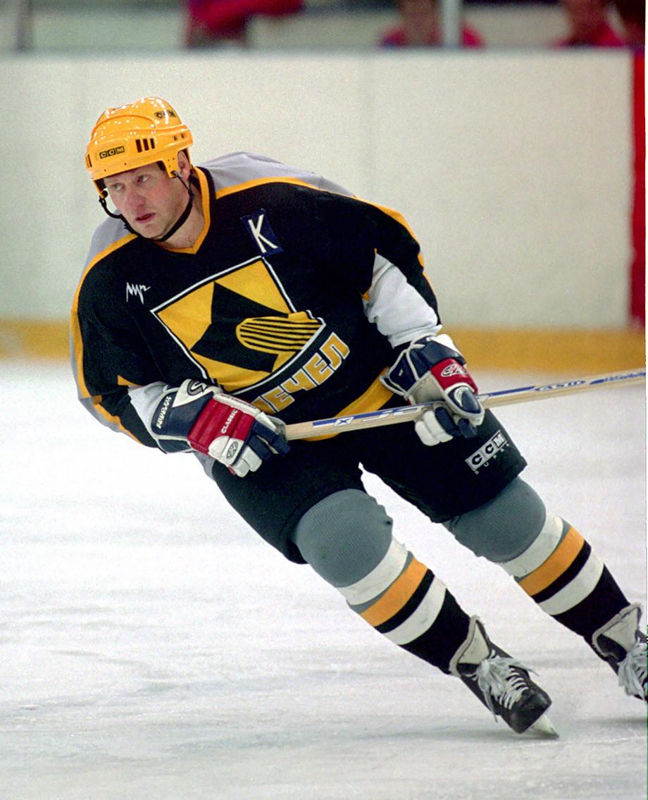 Капитан «Мечела» в сезоне-2002/2003 Сергей Гомоляко