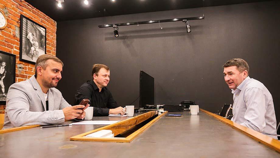 Юрий Дроздов (справа)