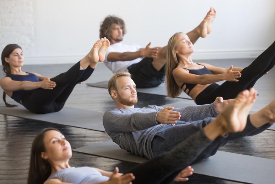 Как тренировать мышцы кора дома? Комплекс упражнений от тренера и рекомендации. Видео