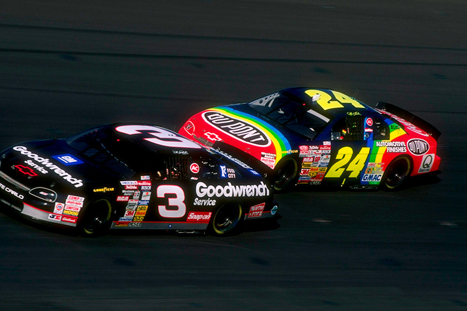 Дэйл Эрнхардт и Джефф Гордон на этапе в Атланте в 1996 году