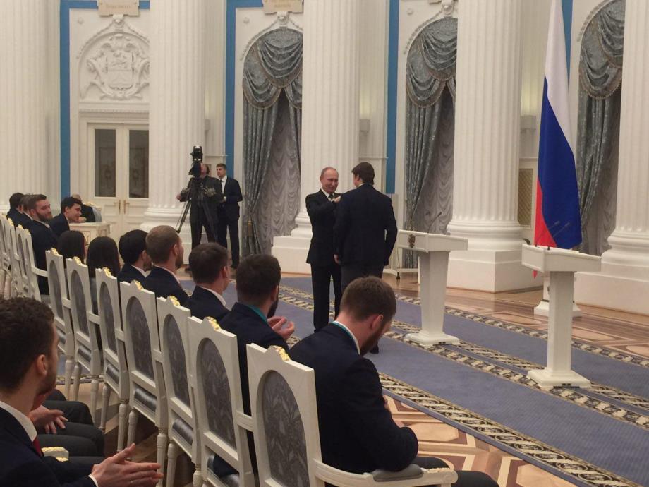 Путин вручает госнаграды призёрам Олимпиады-2018