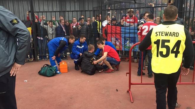Болельщик «Спартака» упал с ограждения во время матча с тульским «Арсеналом»