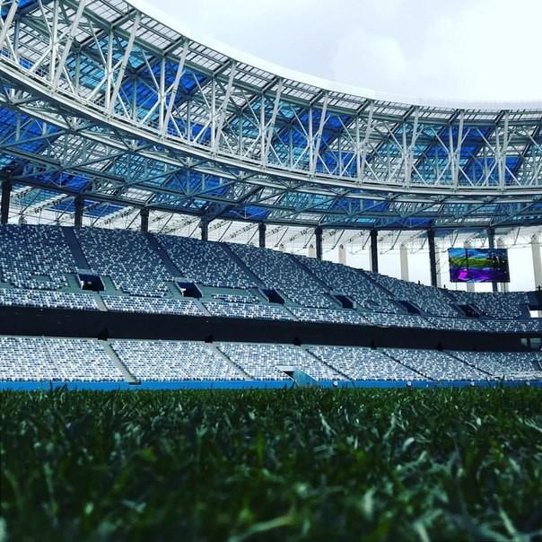 Газон настадионе «Нижний Новгород» прошили поимпортной технологии