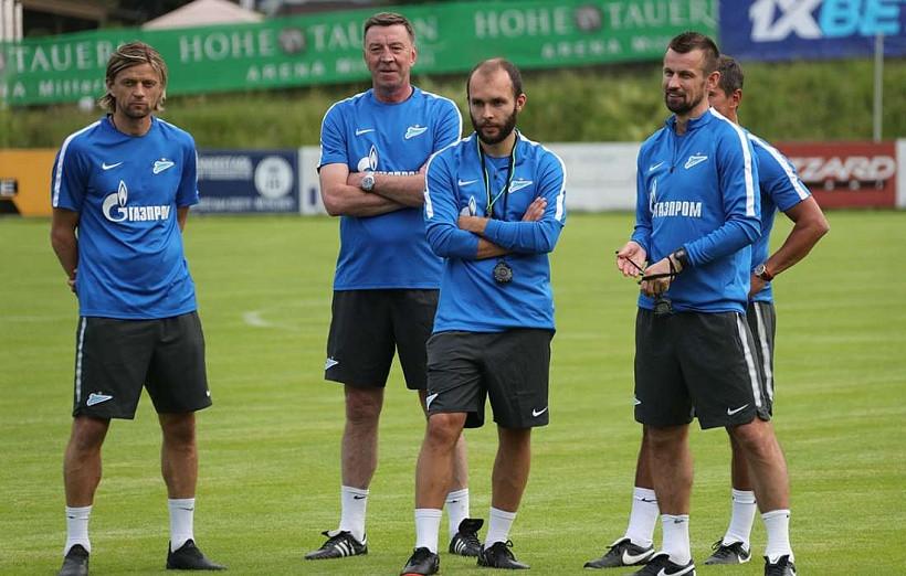 Семак провёл первую тренировку с«Зенитом» вкачестве основного тренера