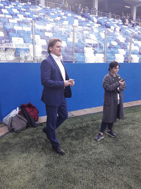 Задержись Дмитрий Булыкин ещё на несколько лет в футболе, мог бы тоже поиграть на этом стадионе…