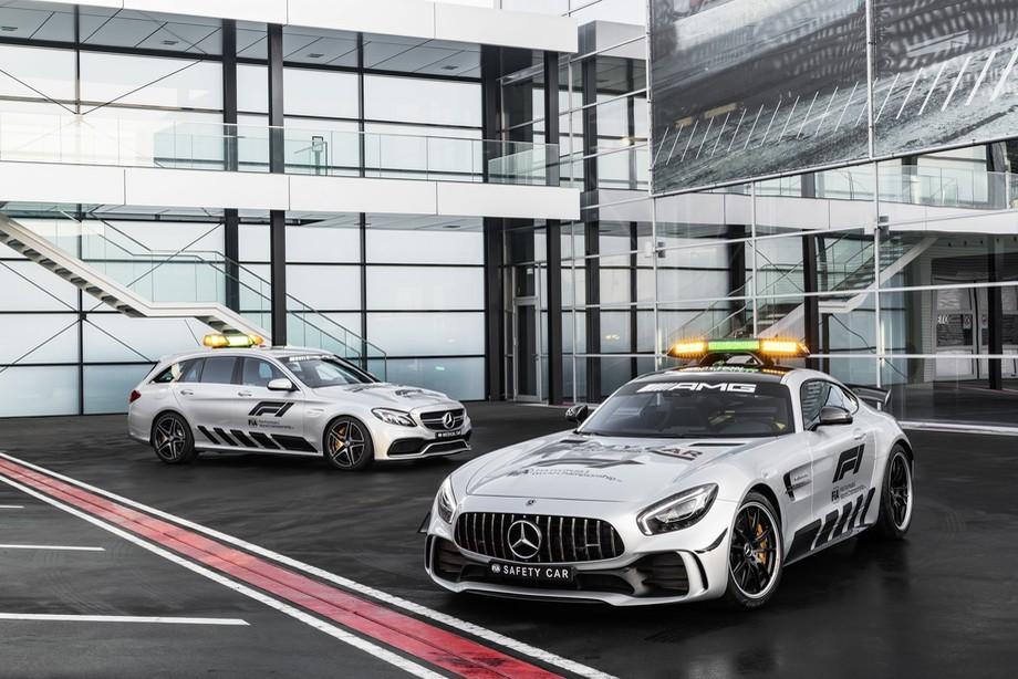 Mercedes-AMG GT R Official FIA F1 Safety Car и Mercedes-AMG C 63 S Estate Official FIA F1 Medical Car