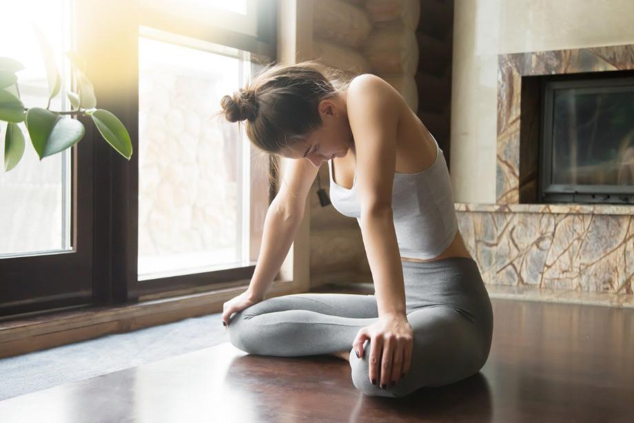 Какие упражнения йоги помогут избавиться от живота. Мнение специалиста