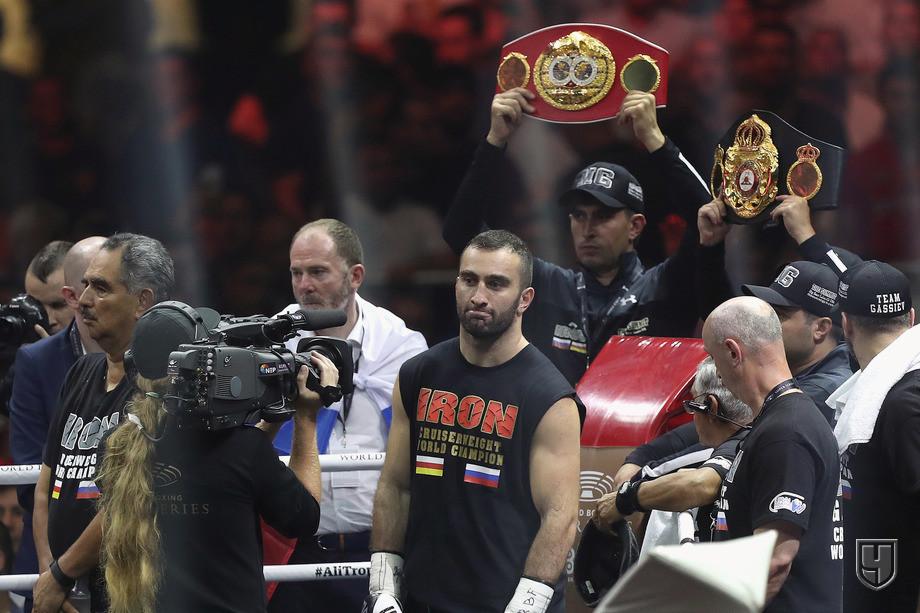 Александр Усик победил Мурата Гассиева. Что теперь с ними будет?