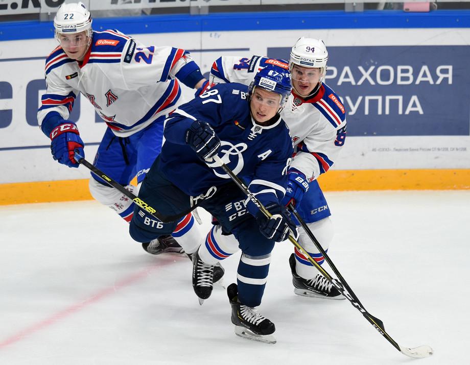 «Динамо» (Москва) — СКА (Санкт-Петербург). Владислав Сёмин, Вадим Шипачёв, Александр Барабанов.