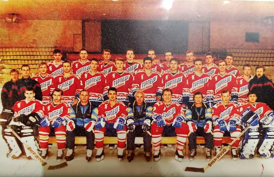 1993 год. В центре — Сергей Николаев, справа от него — Андрей Тарасенко и Вакуров