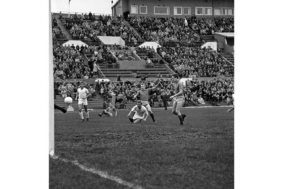 Эпизод из матча с участием «Пахтакора» в 1969 году