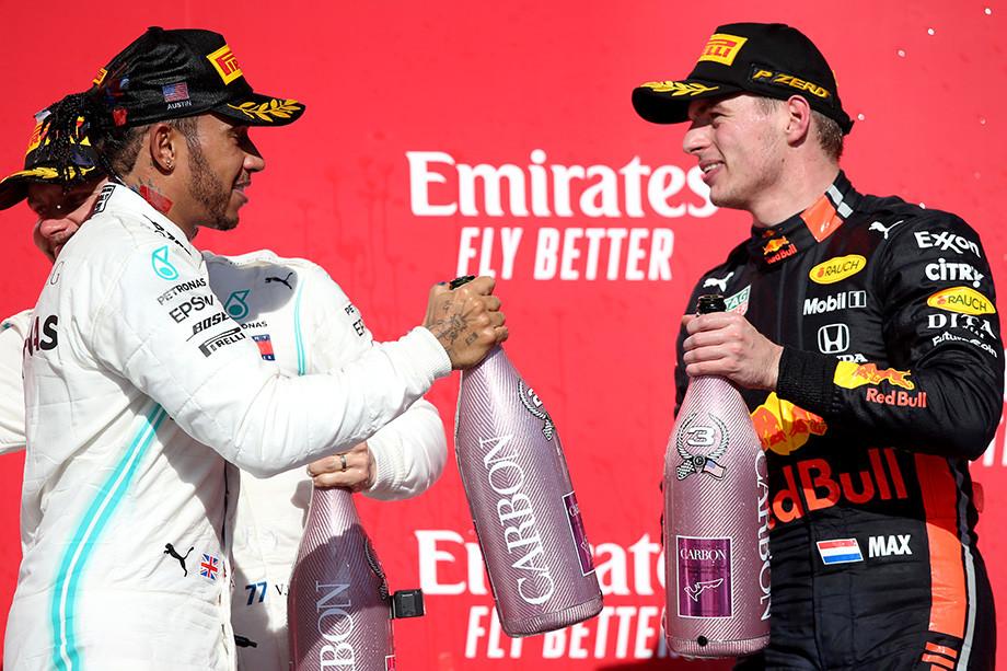 Хэмилтон и Ферстаппен на подиуме Гран-при США