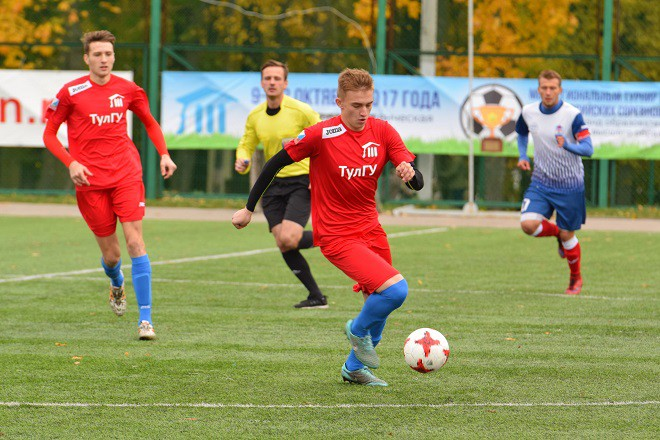 Футболисты Тульского университета выиграли домашний этап Первой группы
