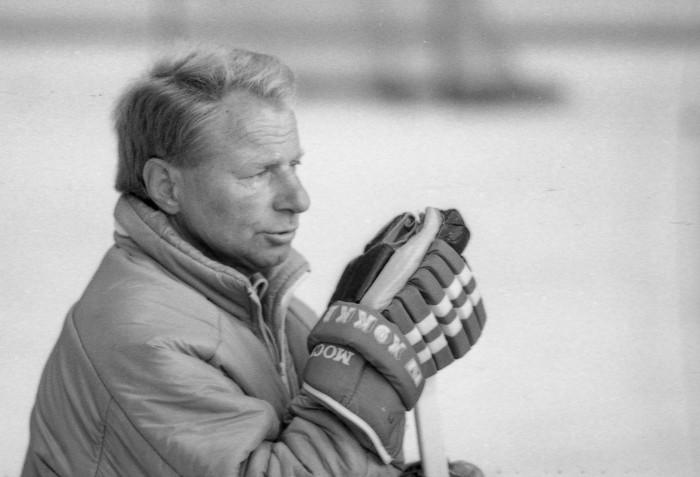 пятидюймовый юрий моисеев фото хоккей наклеить твёрдую открытку
