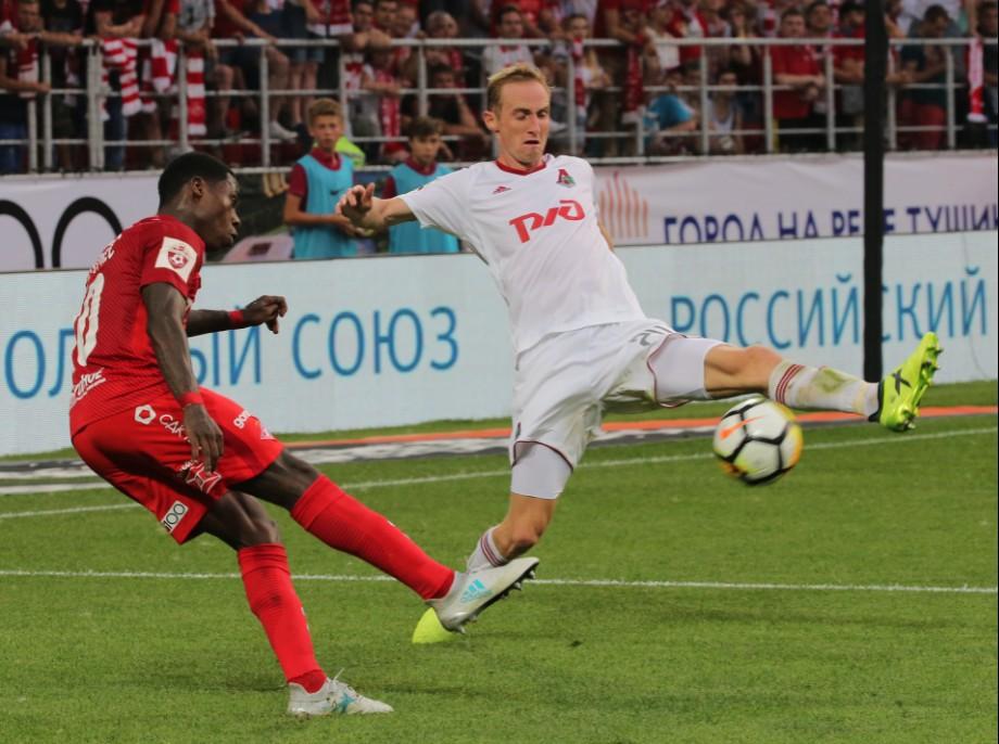 Левый фланг, правая нога. Квинси промес в матче против «Локомотива»