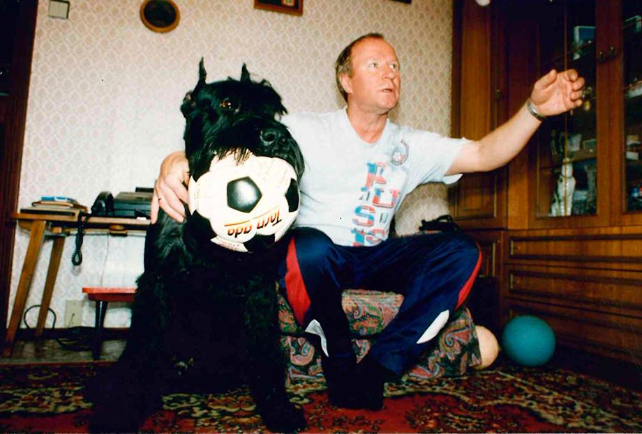 Павел Садырин с собакой