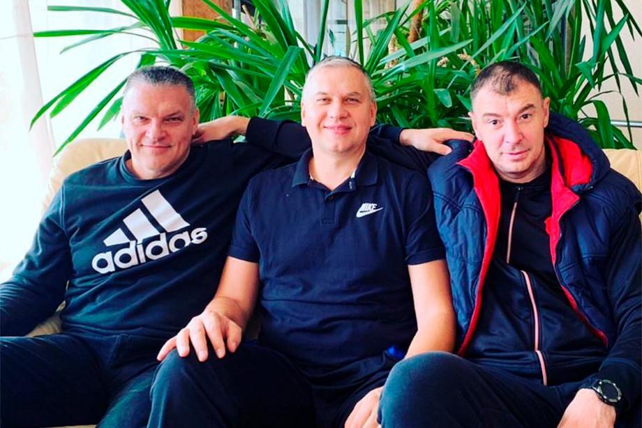 Бывшие одноклубники по «Автодору» Евгений Пашутин, Захар Пашутин и Андрей Сепелев