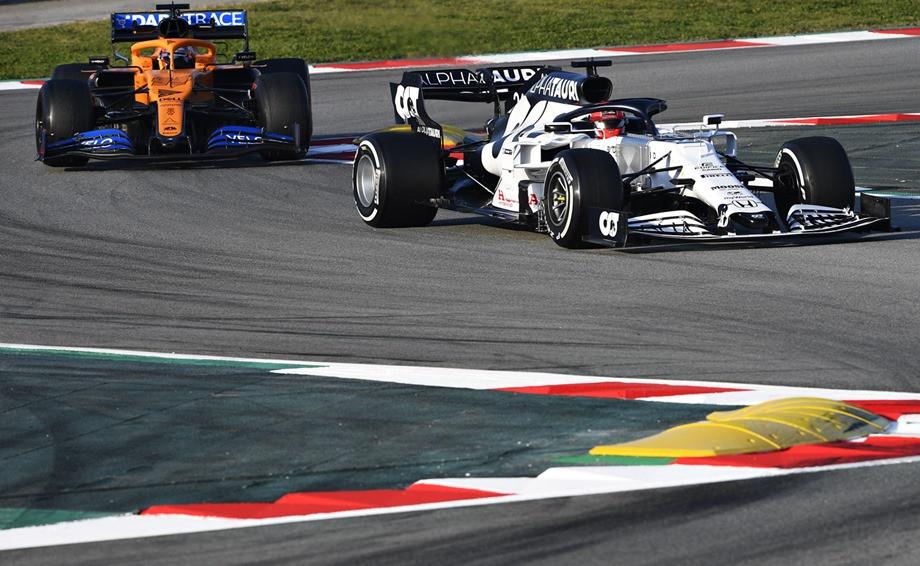 «Мерседесы» быстры, но ломаются, у Квята есть шансы. Итоги тестов Формулы-1