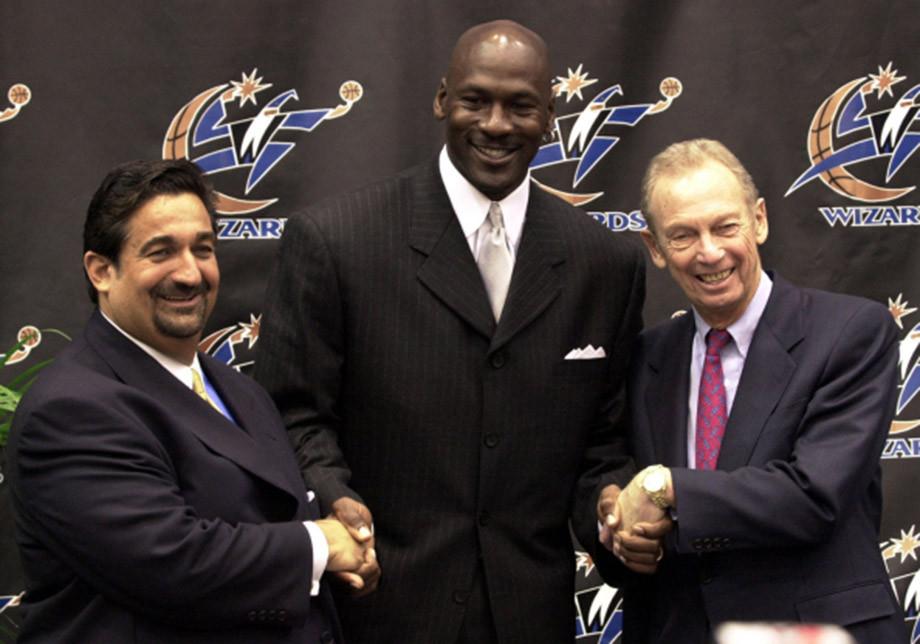 Владелец «Вашингтон Уизардс» Эйб Поллин не сдержал обещание и уволил Майкла Джордана