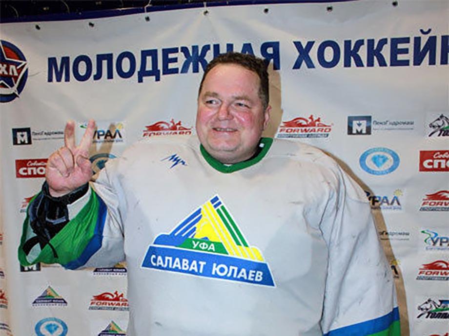 «Стал первым вратарём в «Салавате» и поймал звезду». Каким игроком был отец Василевского