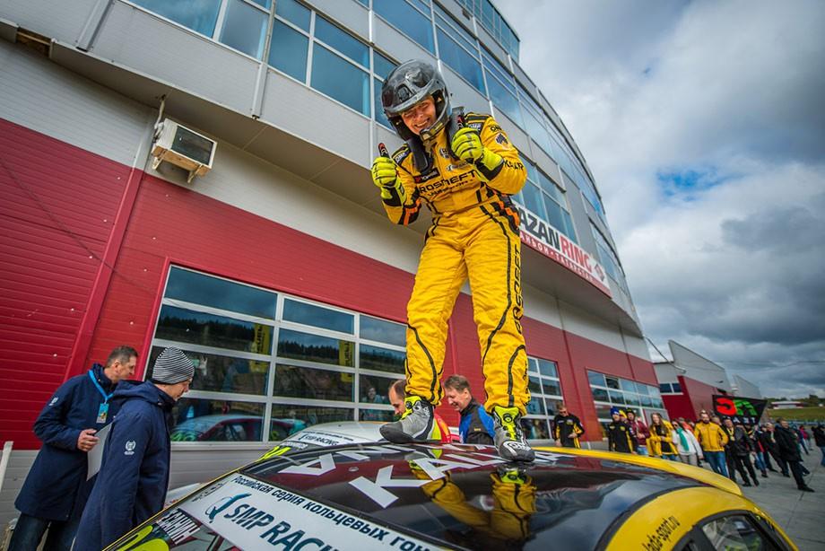 Егор Санин — лучший из пилотов на Lada — смог закончить сезон лишь на третьем месте