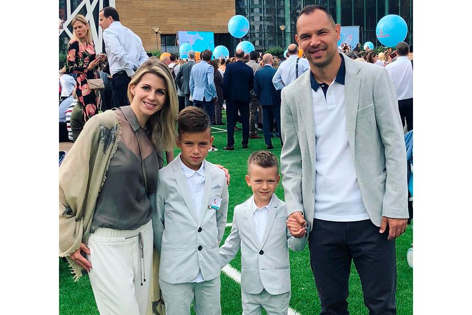 Наталья и Сергей Игнашевичи с детьми
