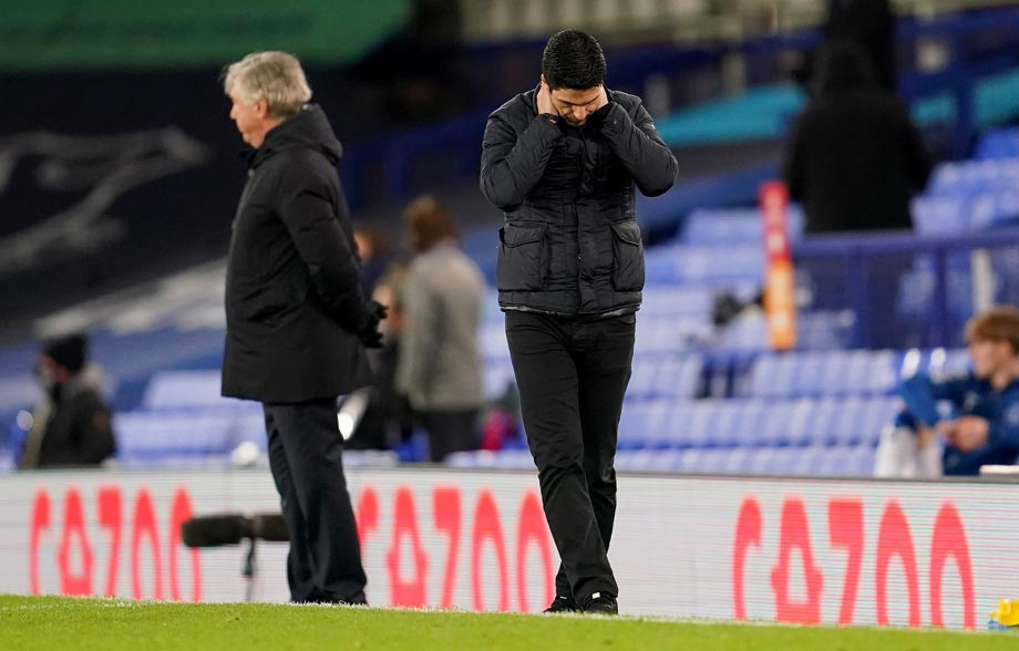 Если долго вглядываться в бездну, можно разглядеть «Арсенал». Почему всё так ужасно